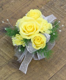 Sweetheart Rose & Pixie Corsage